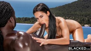Videos prno BBC  Chica de Vaciones locas en Hotel con Piscina.